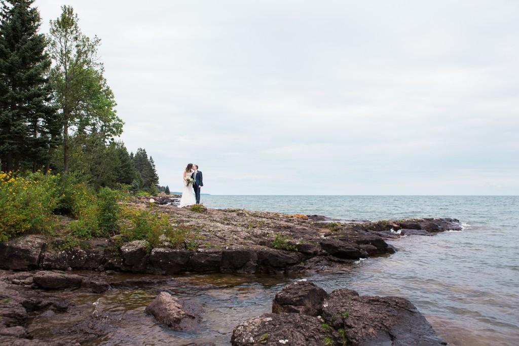 larsmont cottages weddings, larsmont wedding photographer, wedding photography, two harbors wedding photography